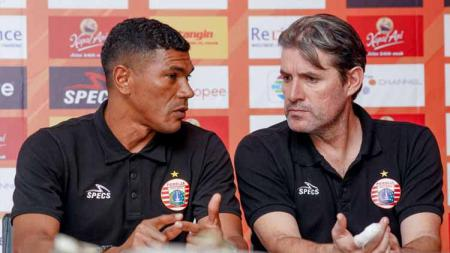 Pelatih Persija Jakarta, Julio Banuelos tetap memasang target tiga poin di markas Persebaya Surabaya, meskipun sejumlah pemainnya harus absen. - INDOSPORT