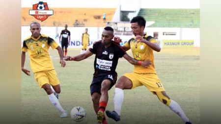 Laga pertandingan Shopee Liga 1 2019 Barito Putera vs Persipura Jayapura di Stadion Demang Lehman. - INDOSPORT