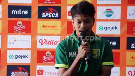 Pemain klub Liga 1 Persebaya, M Hidayat ingin cita-citanya berseragam Timnas Indonesia bisa terwujud. - INDOSPORT
