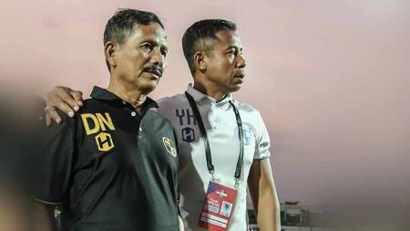 Djajang Nurjaman dan Yunan Helmi saat menyaksikan pertandingan laga Barito Putera vs Persipura. - INDOSPORT