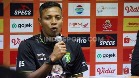 Bejo Sugiantoro meminta awak media menanyakan langsung ke manajemen   soal penyebab status Wolfgang Pikal belum sah sebagai asisten pelatih Persebaya Surabaya. - INDOSPORT