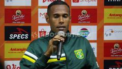 Indosport - Ruben Sanadi saat konfrensi pers, Sabtu (24/8/19).