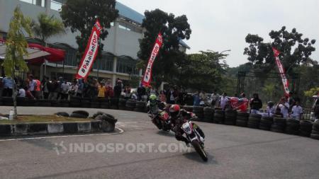 Sesi latihan & kualifikasi Honda Dream Cup Pekanbaru 2019, Sabtu (28/08/19), di Sirkuit Stadion Sport Center Rumbai, Pekanbaru. - INDOSPORT