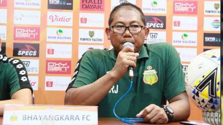 AKBP Sumardji, Manajer Bhayangkara FC mengatakan dirinya seolah menjadi jimat keberuntungan tim di Liga 1 2019. - INDOSPORT
