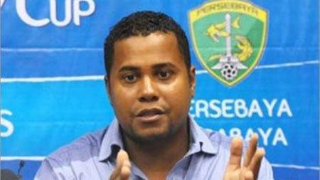 Kabar terkini dari Divaldo Alves, pelatih asal Eropa yang membawa berhasil Persebaya Surabaya menjuarai turnamen Unity Cup setelah mengalahkan klub Malaysia. - INDOSPORT