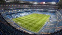 Indosport - Stadion Santiago Bernabeu milik klub LaLiga Spanyol, Real Madrid.