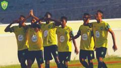 Indosport - Pemain Assalam FC merayakan gol di Liga Timor Leste.
