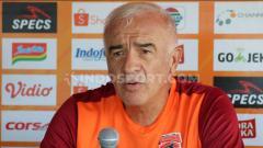 Indosport - Pelatih Borneo FC, Mario Gomez, memberikan keterangan pers sebelum laga Liga 1 2019.