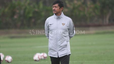 Eks pelatih Timnas Indonesia U-23 di SEA Games 2019 yakni Indra Sjafri memberikan pesan kepada masyarakat dalam persiapan adanya new normal. - INDOSPORT