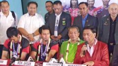 Indosport - Mohammad Ahsan mengaku kaget mendengar insiden penusukan yang menimpa Ketum PBSI, Wiranto. Petrus Manus Da Yerimon/INDOSPORT.