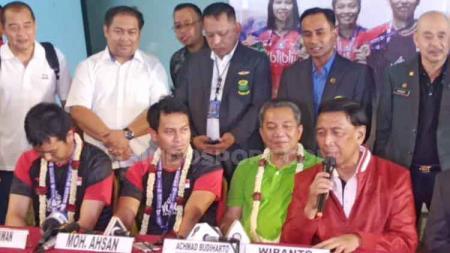 Mohammad Ahsan mengaku kaget mendengar insiden penusukan yang menimpa Ketum PBSI, Wiranto. Petrus Manus Da Yerimon/INDOSPORT. - INDOSPORT