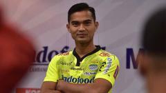 Indosport - Kiper baru Persib Bandung Dhika Bayangkara untuk putaran kedua Liga 1 2019.