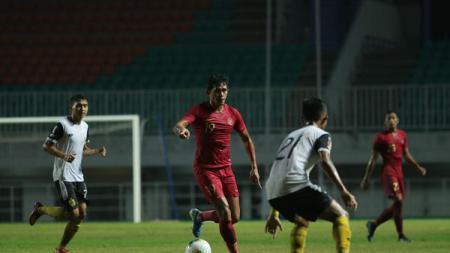 Timnas Indonesia kedatangan Stefano Lilipaly dan Andik Vermansah di pemusatan latihan. - INDOSPORT