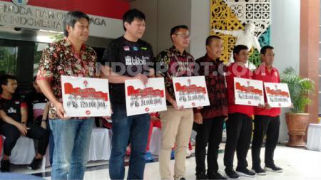 Seluruh jajaran pelatih bulutangkis dan para bulutangkis Indonesia yang dapat apresiasi dari Kemenpora RI. - INDOSPORT