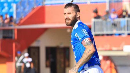Bojan Malisic resmi menjadi pemain Badak Lampung FC pada Senin (9/9/19). - INDOSPORT