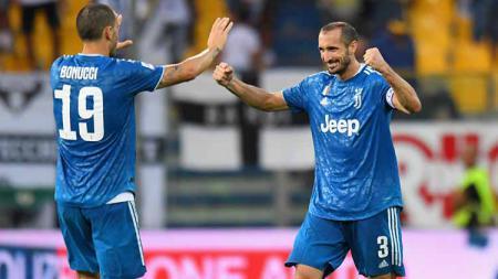 Selebrasi dua pemain Juventus, Giorgio Chiellini dan Leonardo Bonucci usai mencetak gol pada pertandingan Serie A Italia. - INDOSPORT