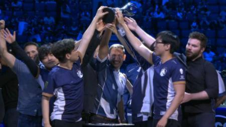 Team Liquid berhasil keluar sebagai juara LCS Summer 2019. - INDOSPORT