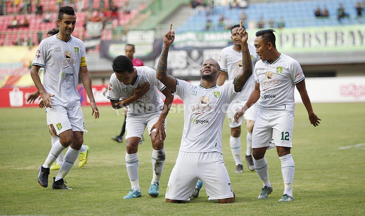 David da Silva berhasil mencetak gol di babak kedua laga Bhayangkara FC vs Persebaya Surabaya Copyright: Herry Ibrahim/INDOSPORT