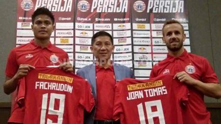 Perkenalan pemain baru Persija Jakarta Joan Tomas Campasol dan Fachrudin Aryanto oleh CEO Persija, Ferry Paulus, Sabtu (31/8/19) - INDOSPORT