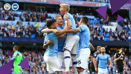 Skuat Man City merayakan gol ke gawang Brighton dalam pertandingan pekan ke-4 Liga Inggris, Sabtu (31/08/19) - INDOSPORT