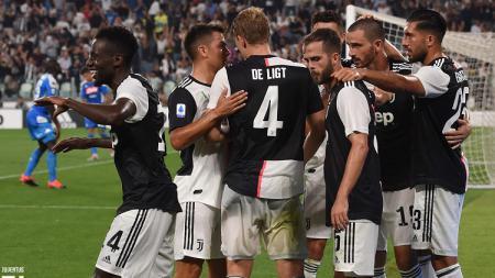 Skuat Juventus merayakan gol ke gawang Napoli dalam laga pekan ke-2 Serie A Italia, Minggu (01/09/19) dini hari WIB. - INDOSPORT