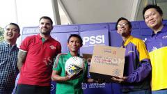 Indosport - Acara konferensi pers kerja sama antara Paxel dan PSSI jelang babak Kualifikasi Piala Dunia 2022.