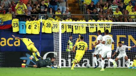 Momen Gerard Moreno mencetak gol pada laga Villarreal vs Real Madrid di LaLiga Spanyol 2019/20, Senin (02/09/19). - INDOSPORT