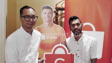 Potret Rezky Yanuar, Country Brand Manager Shopee Indonesia dan Martunis usai makan bareng dan bincang santai di Indonesia pada Selasa, (03/09/19). - INDOSPORT