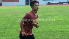 Indosport - Fredyan Wahyu saat mengikuti latihan PSIS pada Rabu pagi (04/09/19) di Stadion Moch Soebroto, Magelang.