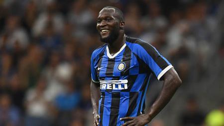 Pemain sepak bola Inter Milan, Romelu Lukaku, mendapat sindiran dari bek Manchester United, Luke Shaw, setelah timnya itu tersingkir dari Liga Champions. - INDOSPORT