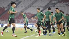 Indosport - Jelang laga melawan Thailand di Kualifikasi Piala Dunia 2022, skuat Timnas Indonesia mendapat dukungan dari Jacksen F. Tiago.