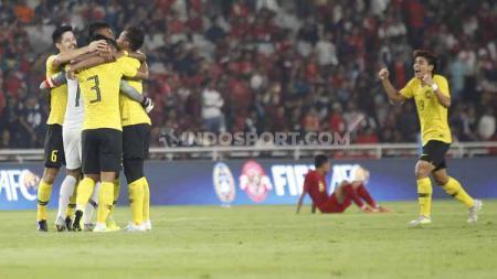 Laga Malaysia vs Timnas Indonesia di Kualifikasi Piala Dunia 2022 akan disiarkan di stasiun tv nasional. - INDOSPORT