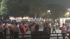 Indosport - Pihak kepolisian yang berjaga pada laga Timnas Indonesia vs Malaysia di Stadion Utama Gelora Bung Karno (SUGBK), Senayan pada babak kualifikasi Piala Dunia 2022, Kamis (05/09/19).