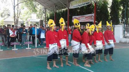 Suasana Pembukaan Kejurda Sepak Takraw Sulsel di Gedung Mulo, Makassar, Kamis (05/09/19). - INDOSPORT