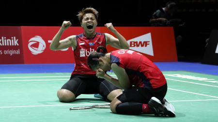 Greysia Polii dan Apriyani Rahayu merayakan kelolosan ke babak semifinal Chinese Taipei Open, Jumat (06/09/19). - INDOSPORT
