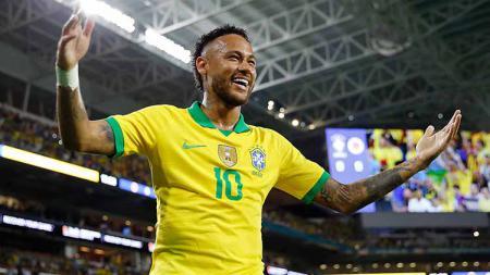 Pelatih Timnas Brasil, Tite menganggap jika Neymar lebih unggul dibandingkan Eden Hazard berdasarkan kualitas permainan. - INDOSPORT