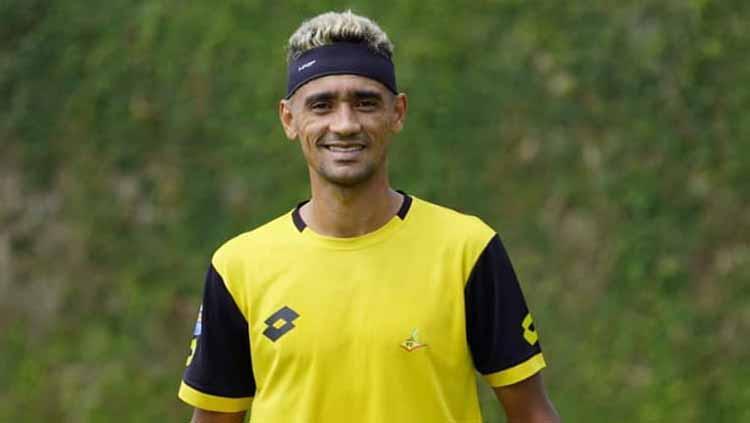 Bruno Matos latihan perdana bersama Bhayangkara FC. Copyright: bhayangkarafc
