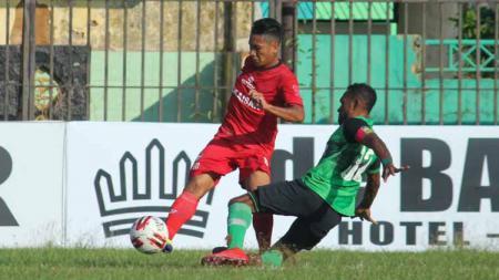 Situasi pertandingan Madura FC vs PSBS Biak. - INDOSPORT