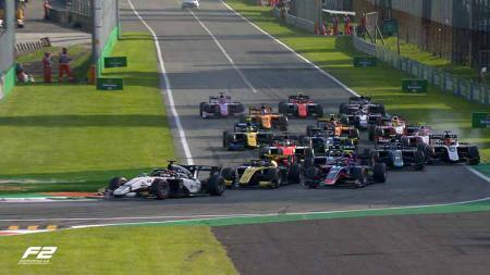 Suasana balapan Formula 2 di Sirkuit Monza, Italia. - INDOSPORT