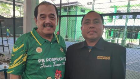 Ketua Umum KONI Jatim Erlangga Satriagung dan Manajer Futsal PON Jatim, Haris Tofly. - INDOSPORT