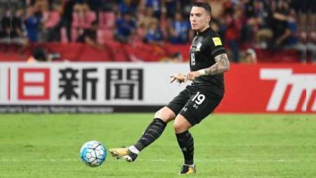 Menghina sepak bola Vietnam, bek kanan Timnas Thailand, Tristan Do, mendapatkan karma saat menghadapi Malaysia di Kualifikasi Piala Dunia 2022. - INDOSPORT