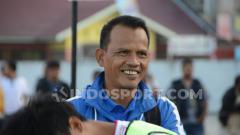 Indosport - Mantan pemain Timnas senior Indonesia sekaligus Pelatih Karo United FC, Ansyari Lubis.