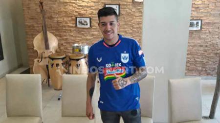 Jonathan Cantillana mengaku akan bisa bermain bagus di PSIS Semarang bila dipasang sebagai gelandang serang. - INDOSPORT