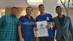 Indosport - Perkenalan Jonathan Cantillana sebagai pemain baru PSIS Semarang.