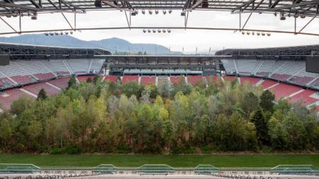 Stadion Woerthersee, Austria, berubah jadi hutan - INDOSPORT