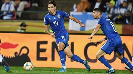 Aksi pemain Timnas Italia saat melawan Finlandia di Kualifikasi EURO 2020. - INDOSPORT