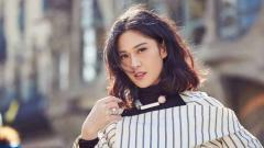 Indosport - Dian Sastrowardoyo, aktris cantik pemeran Cinta dalam film Ada Apa Dengan Cinta