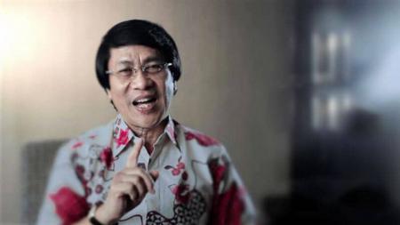 Kak Seto Mulyadi, Psikolog Anak Indonesia, menjadi sorotan gara-gara menyebut legenda Real Madrid, Raul Gonzalez di kasus Krisdayanti. - INDOSPORT