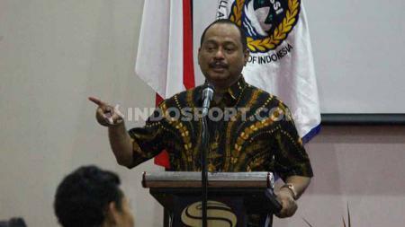 Ketua harian KONI Jatim, M Nabil saat menghadiri kongres futsal Jatim pada Sabtu (07/09/19). Fitra Herdian/Indosport - INDOSPORT