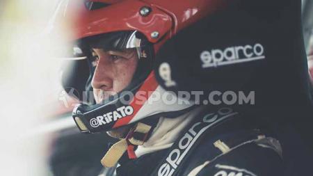 Potret saat kemenangan Rifat Sungkar di Kejurnas Sprint Rally 2019, Minggu (08/09/19). - INDOSPORT